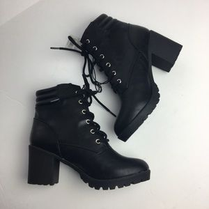 5998bc55722 Shoes - MOSSIMO  Easton  Combat Boots
